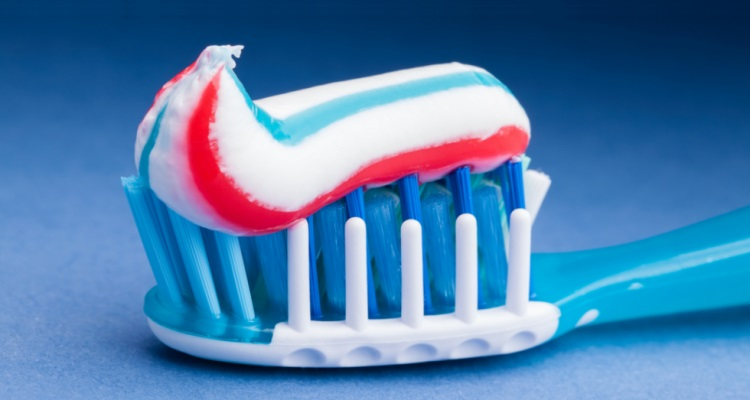 Best-Toothpaste-for-Plaque-Removal